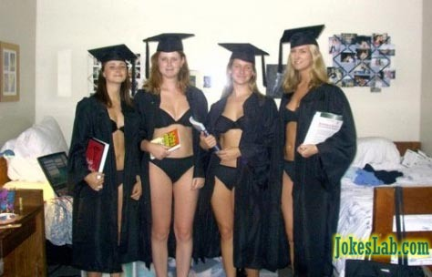 funny commencement photo, crazy girls with brain..