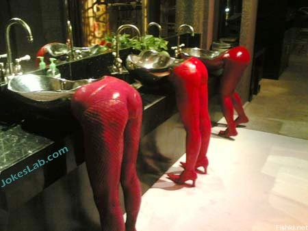funny washing room, how to get a man washing his hands