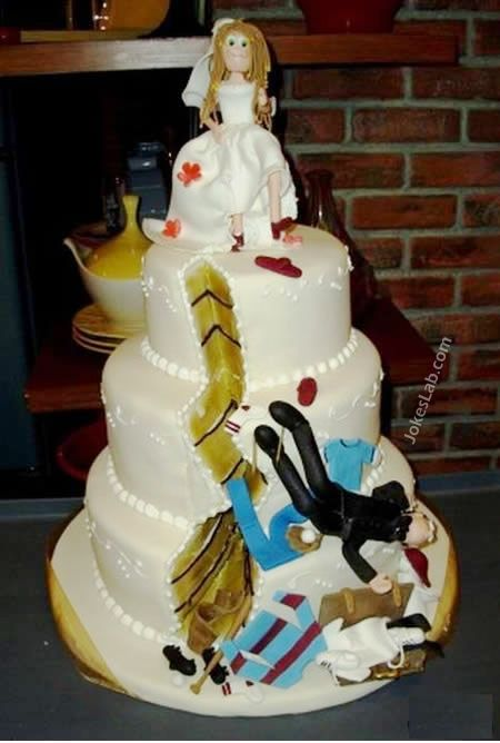 funny wedding cake, kick the groom away