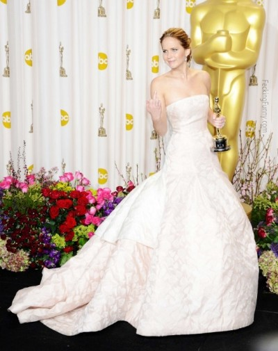 Jennifer-Lawrence-Oscars-fuck-you-photo