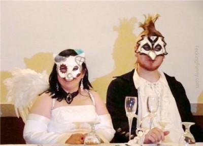 funny-wedding-costume-mask