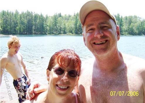 funny family-photo-couple-and-a-masturbating-son