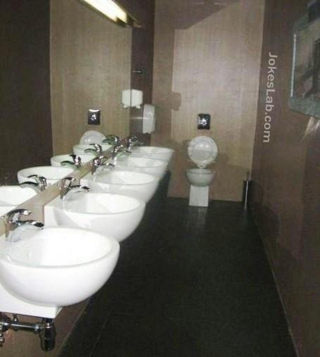 funny-awkward-toilet