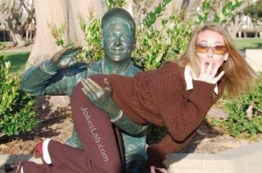 funny pose, enjoy the molestation, woman and statue