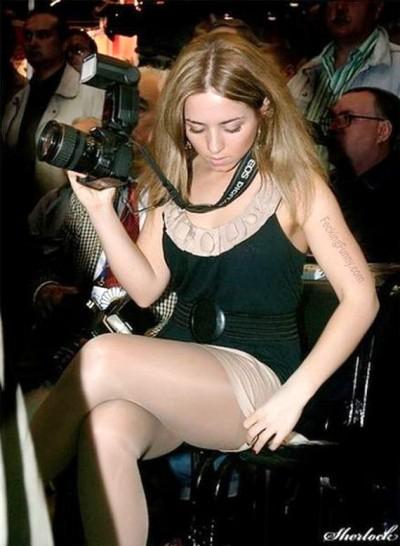 camera-woman-checking-skirts