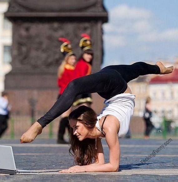 how-yoga-girls-use-laptop