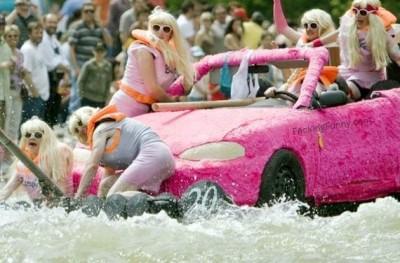 blonde-car