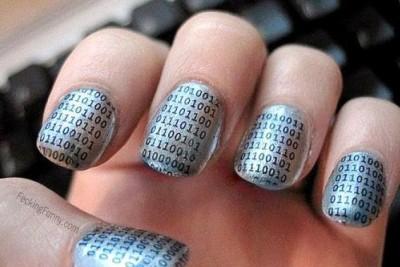 techy-girl-nail