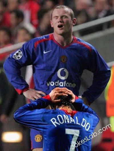 funny-football-stars-enjoying-blow-jobs