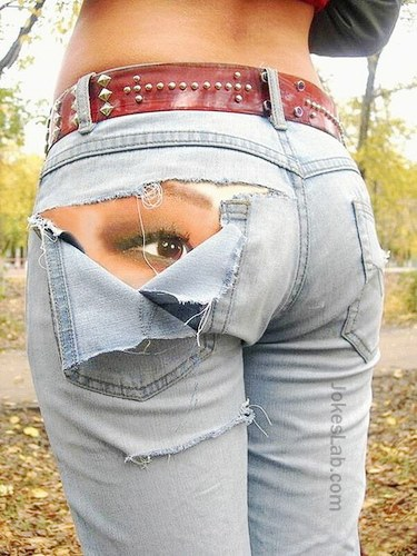 funny-tattoo-eyes on buttocks